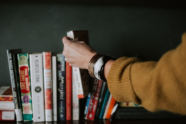 Best Books for Teenagers to Build a Reading Habit